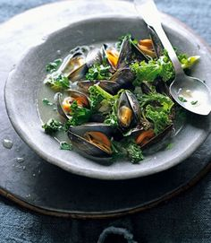 Cider-cooked-mussels-with-kale