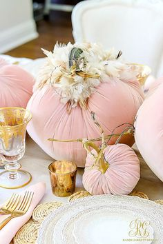 pink pumpkins Pink Pumpkin Fall Tablescape - this glam fall table is so easy to set with blush velvet pumpkins, cream dishes, gold flatware and lacy details Pink Pumpkins, Velvet Pumpkins, Fabric Pumpkins, Fall Pumpkins, Thanksgiving Decorations, Seasonal Decor, Halloween Decorations, Holiday Decor, Fall Home Decor