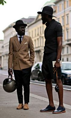 Afritorial Sam Lambert and best mate Shaka Maidoh are the dandies about town in London - always seen in impeccable style . Men In Black, Black Dandy, Gentleman Mode, Gentleman Style, Style Noir, Mode Style, Style Blog, Men's Style, Mode Cool