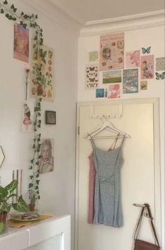 Indie Room Decor, Cute Bedroom Decor, Room Design Bedroom, Aesthetic Room Decor, Room Ideas Bedroom, Bedroom Inspo, Dream Bedroom, Room Ideias, Pastel Room