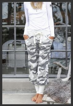 Great comfy trousers from Bloomingshop. Camo, Capri Pants, Trousers, Heavenly, Clothes, Fashion, Camouflage, Trouser Pants, Outfits