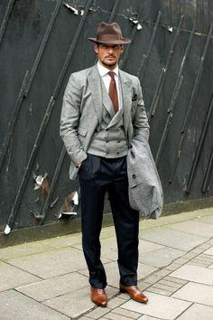 Street style de Londres, David Gandy Always tries too hard Sharp Dressed Man, Well Dressed Men, David Gandy Style, David Gandy Suit, Look Man, Gq Style, Herren Outfit, Men Street, Gentleman Style