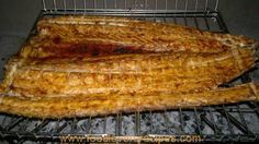 As daar te veel vogtigheid op vleis is kook die snoek in plaas van… Fish Dishes, Seafood Dishes, Fish And Seafood, Seafood Recipes, Braai Recipes, Cooking Recipes, Good Food, Yummy Food, Yummy Recipes