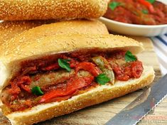 Hearty Slow Cooker Sausage & Peppers - Slow Cooking Perfected Slow Cooker Sloppy Joes, Slow Cooking, Sausage And Peppers Crockpot, Slow Cooker Huhn, Pork Ham, White Meat, Healthy Crockpot Recipes, Wrap Sandwiches, Entrees