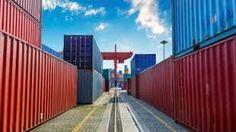 El e-commerce y e-business pasan de ser tendencia a realidad permanente en nuestra forma de consumir. Todas las empresas han de adaptarse. Cargax lo ha hecho al ser pionera en la cotización instantánea en el transporte marítimo y evitar tediosos tramites para las empresas dedicadas al comercio internacional.  http://www.cargax.com