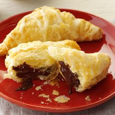 Nutella Hand Pies Recipe -These pint-size Nutella hand pies made with puff pastry are too good to keep to yourself! —Taste of Home Test Kitchen (nutella cookie recipe puff pastries) Nutella Puff Pastry, Puff Pastry Desserts, Pastry Recipes, Dessert Recipes, Cooking Recipes, Puff Pastries, Breakfast Pastries, Dessert Bars, Small Desserts