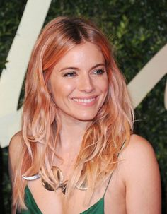 Sienna Miller Dyes Her Hair Rose Gold   Beauty High