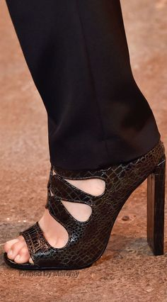 Christian Siriano Fall 2015 Ready-to-Wear Collection Shoes Shoe Boots, Shoes Sandals, Shoes 2015, Christian Siriano, Shoe Game, Designer Shoes, Fashion Shoes, Peep Toe, High Heels