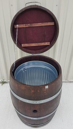 Look at this first rate photo - what an inventive style Wine Barrel Garden, Wine Barrel Chairs, Wine Barrel Rings, Wine Barrel Furniture, Wine Barrels, Wine Barrel Diy, Whiskey Barrel Table, Barrel Projects, Diy Projects