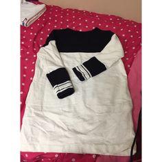 Forever21 Sweater Dress White & Black Long Sleeve Sweater Dress. Has 2 Pockets. Forever 21 Dresses Long Sleeve