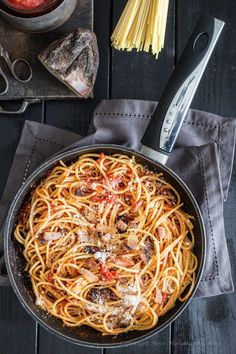 Spaghetti all' Amatriciana food photography dark