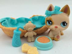 Littlest Pet Shop Tan German Shepherd #604 w/Blue Flower Eyes & Accessories #Hasbro