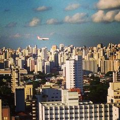 Ahhh #sãopaulo ! E esse bairro do #campobelo ! E os #aviões que aqui rodeiam... #city #oflove #sampa #brasil
