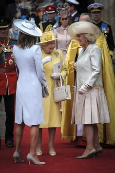 Royal Wedding~the Queen and Carol Middleton