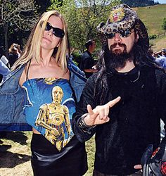 Google Image Result for http://snakkle.wpengine.netdna-cdn.com/wp-content/uploads/2012/08/rob-zombie-sheri-moon-1999-photo-GC.jpg