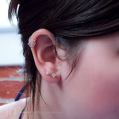 love this cartilage earring!
