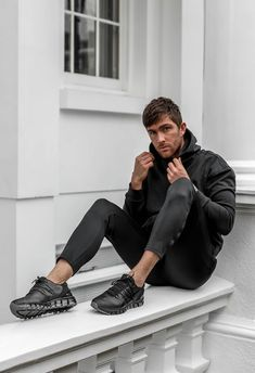 all black futuristic gym wear for your next session ~~  #motivation #gym #gains #workout #casualcloset #mensfashion #inspiration #diy #workout2019 Gym Routine, Gym Gear, Gym Shorts, Get The Look, All Black, Twins, Normcore, Mens Fashion, Workout
