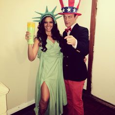 Hallowen Costume Couples Statue of Liberty and Uncle Sam boyfriend girlfriend Halloween couples costume Halloween Tags, Cute Couple Halloween Costumes, Cute Halloween Costumes, Family Costumes, Halloween Couples, Cute Couples Costumes, Halloween Customs, Halloween 2016, Halloween Ideas