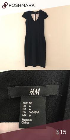 H&M black v-neck dress Black v-neck dress with cap sleeves. Form fitting. H&M Dresses