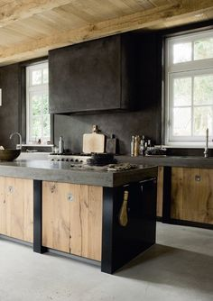 Come to the Dark Side: Black Kitchens | Apartment Therapy