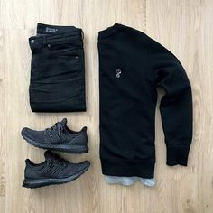 Featured is the x Snoopy sweater paired with Miracle Air jeans and Ultra Boost Triple Black Would you rock this outfit? Please rate this outfit below ⤵️ . Uniqlo Outfit, Adidas Outfit, Hype Clothing, Mens Clothing Styles, Streetwear, Business Casual Men, Men Casual, Casual Chic, Snoopy Sweater
