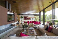 Wnętrze nowoczesnego salonu w inspirującej, luksusowej willi marzeń na blogu Pani Dyrektor - zapraszam!