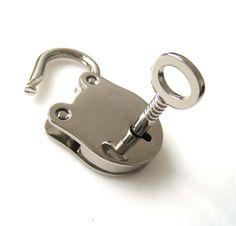 Silver Frog Shaped Lock Key Set for Hand Bag by handmadesgarden, $7.50