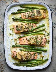 This gluten-free salmon traybake recipe with asparagus and lemon butter makes a quick and easy midweek meal with lovely spring flavours. Healthy Salmon Recipes, Healthy Dinner Recipes, Cooking Recipes, Salmon Recepies, Delicious Recipes, Healthy Meals, Healthy Food, Asparagus Recipe, Eating Clean