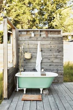 Exquisite Outdoor Bathroom Design Ideas with Nature The ., Exquisite Outdoor Bathroom Design Ideas with Nature The minimalist house will have an elegant and minimalist bathroom that can. Outdoor Bathtub, Outdoor Bathrooms, Outdoor Bedroom, White Bathrooms, Luxury Bathrooms, Master Bathrooms, Dream Bathrooms, Contemporary Bathrooms, Bedroom Decor