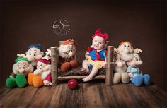 love a disney theme, this was a little snow white shot i put together in the past couple of weeks, photography disney style Newborn Pics, Newborn Pictures, Baby Pictures, Baby Photos, Baby Snow White, Snow White Photos, One Month Baby, Disney Theme, Disney Style
