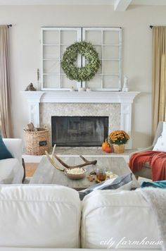 Tour this rustic fall home filled with such gorgeous decorating ideas from City Farmhouse #EclecticallyFall