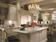CLIVE CHRISTIAN OF NOTTINGHAM: Clive Christian Luxury Kitchen Mantles