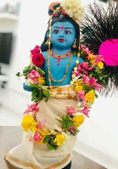 Sri Krishna Jayanthi or Krishna Janmashtami 2020 Rituals assures success in all spheres and eliminates all negative influences. Krishna Statue, Cute Krishna, Radha Krishna Images, Lord Krishna Images, Krishna Radha, Bhagwan Shri Krishna, Lord Krishna Hd Wallpaper, Bhagavata Purana, Cute Cartoon Drawings