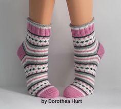 Baby Hats Knitting, Knitting Socks, Hand Knitting, My Socks, Cool Socks, Crochet Ripple, Knit Crochet, Knitted Slippers, Knitted Hats