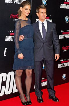 Love this dress. How Katie Holmes Transformed During Tom Cruise Marriage: December 19 2011 Celebrity Couples, Celebrity News, Celebrity Style, Katie Holmes, Nicole Kidman, Z Cam, Tall Women, Tom Cruise, In Pantyhose