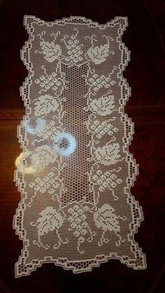 Crochet Doilies, Knit Crochet, Craft Room Design, Fillet Crochet, Centerpieces, Crochet Patterns, Knitting, Altar, Crafts