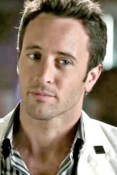♥♥♥♥♥ OMG!!! Alex O'Loughlin