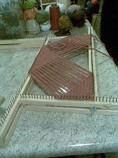 What a great way to make a loom that's always just the right size!