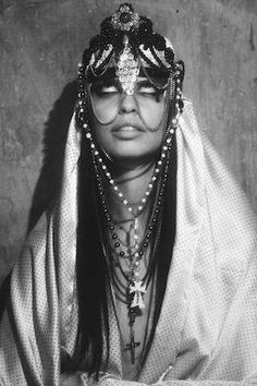 A Religious Experience shoot by Dilia Oviedo Playing around with the idea of possession, good vs. evil, Dilia Oviedo take control behind the lens, with styling by Ana Sting and hair and make-up. Concept Photography, Fashion Photography, Photography 101, White Photography, Black White Fashion, Black And White, Religious Experience, Mystique, Couture Fashion