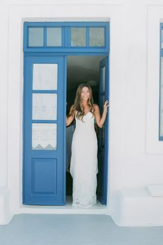 A romantic wedding in Santorini Island Santorini Wedding, White Ribbon, Events, Boutique, Wedding Dresses, Fashion, Bride Dresses, Moda, Bridal Gowns