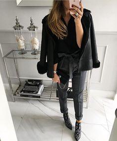 #MONDAY #trousers #Mint Label #gray #set #look #instamood #lookbook #instagram #instafashion #ootd #style #stylish #black @selfiestorepl