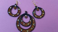 Quilled black and brown pendant and stud set