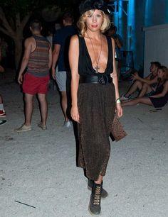 DC10 het ruigere broertje van clubs als Pacha & Space. De stijl is ook wat ruiger zoals je ziet.Ibiza | Street Style | ELLE UK