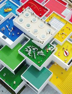 The LEGO House from above with the LEGO primary color wayfinding system