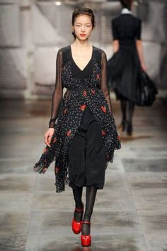 ANTONIO MARRAS FALL RTW 2011 PODIUM 008