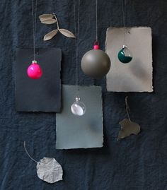 Decorate with bulbs and biscuits