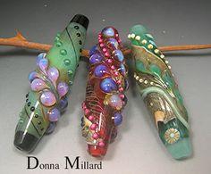 Donna Millard makes the most amazing beads . . .