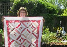 Pat's Summer in the Park quilt - capturing the colours of a bright summer's day! Summer In The Park, Summer Days, Quilting, Scrap, Students, Cushions, Colours, Bright, Sewing