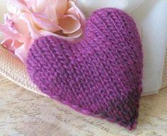 Вязание сердечек - поделки ко Дню Влюбленных