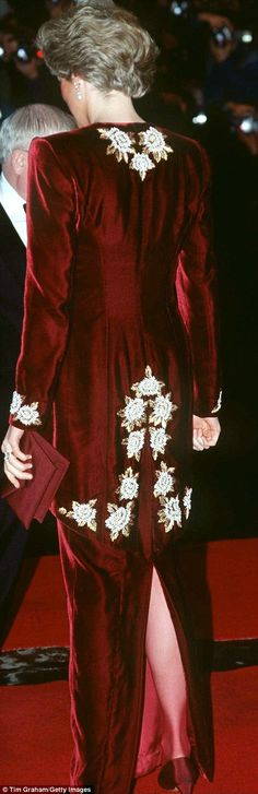Diana wore the dress at the premiere of the film Steel Magnolias at the Odeon in Leicester...